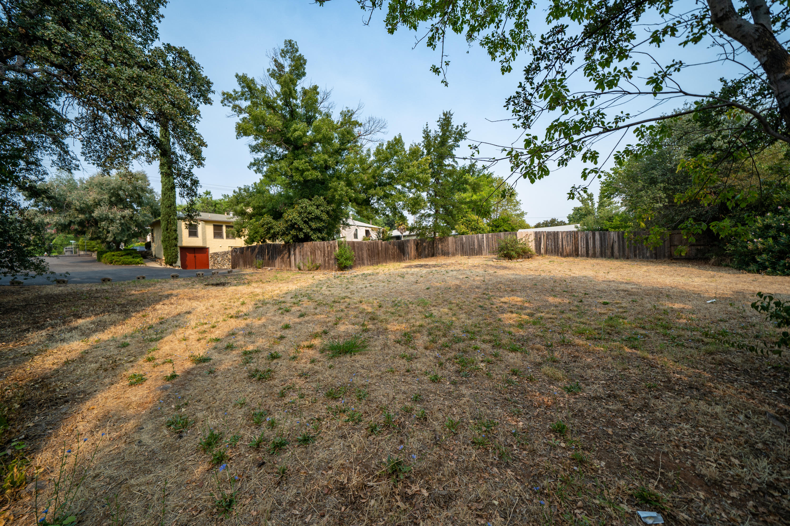 1355 Olive Ave, Redding, CA 96001
