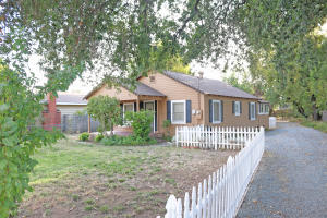 5250 E Bonnyview Rd, Redding, CA 96001