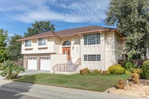6250 Gold Hills Ct, Redding, CA 96003