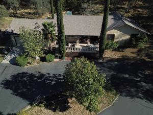 8575 Oak Terrace Ln, Millville, CA 96062