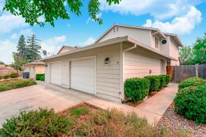 1747 Laurel Ave, Redding, CA 96001