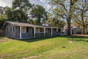 Single family 4BR home with 2 bathrooms