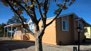 828 Butternut Trl, Los Robbles Estates, Redding, CA 96003