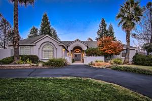 15470 Middletown Park Dr, Redding, CA 96001