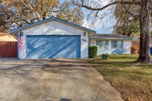 6947 Meadow Wood Trl, Redding, CA 96001
