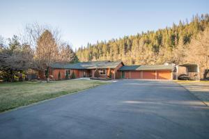281 River Ranch Rd, Douglas City, Ca 96024