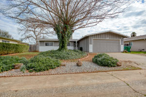 1469 Lodgepole Ave, Anderson, CA 96007