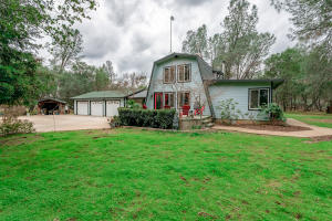 6392 Heavenly Valley Ln, Anderson, CA 96007