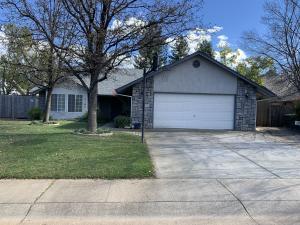 2185 Hacienda St, Redding, CA 96003