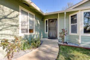 6735 Mullen Pkwy, Redding, CA 96001