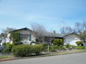 1666 Willis St, Redding, CA 96001