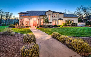 13174 Tierra Heights Rd, Redding, CA 96003