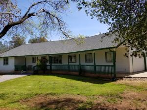 6703 High Valley Rd, Anderson, CA 96007