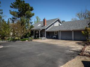 5751 Oak St, Anderson, CA 96007