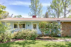 9839 Meadowlark Way, Palo Cedro, CA 96073