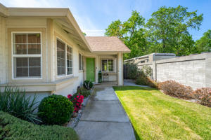 202 Buckhorn Walk, Redding, CA 96003