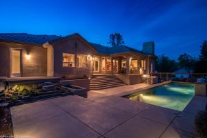 13093 Tierra Heights Rd, Redding, CA 96003