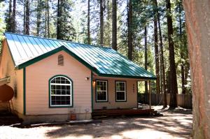 9447 Thatcher Mill Rd, Shingletown, CA 96088