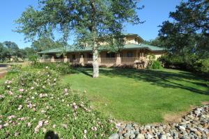 160 ac Horse ranch - 2 story Custom Residenc