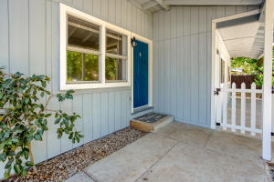 20577 Sunset Ln, Redding, CA 96002