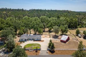22425 Whipple Tree Ln, Palo Cedro, CA 96073