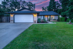 6533 Mullen Pkwy, Redding, CA 96001