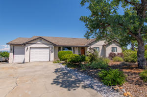 2804 Panorama Dr, Redding, CA 96003