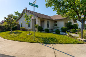 115 Franciscan Trl, Redding, CA 96003
