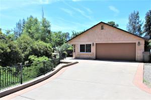 4712 Red Bluff St, Shasta Lake, CA 96019