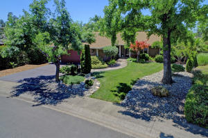 3519 Wasatch Dr, Redding, CA 96001