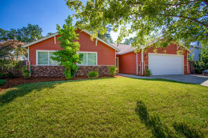 647 Valleybrook Dr, Redding, CA 96003