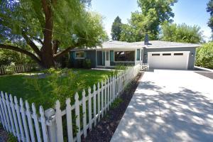 5750 E Bonnyview Rd, Redding, CA 96001