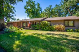 3165 Corto St, Redding, CA 96001