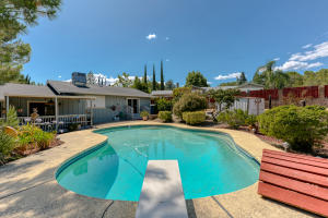 3879 Oro St, Redding, CA 96001