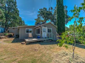 13695 Beacon St, Shasta Lake, CA 96019