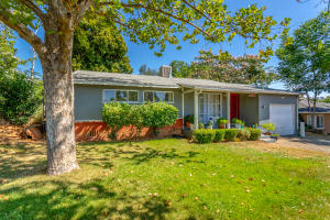 1862 Hartnell Ave, Redding, CA 96002