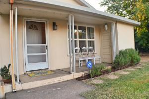 1427 Willis St, Redding, CA 96001