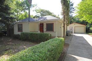 704 Loma St, Redding, CA 96003