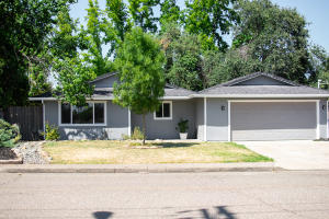 2150 Grandview, Redding, CA 96001