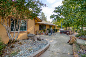 2168 Wilson Ave, Redding, CA 96002