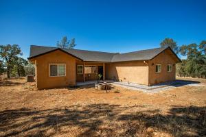 22587 Elk Trail East, Redding, CA 96003