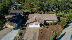 1837 Pineland Ct, Redding, CA 96002