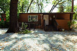 20675 Oak St, Lakehead-Lakeshore, CA 96051