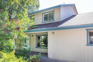 810 Caroline Ave, A, Mt Shasta, CA 96067