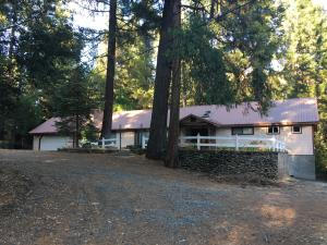 1550 E Weaver Creek Rd, Weaverville, CA 96093