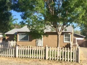19419 Lucille St, Anderson, CA 96007
