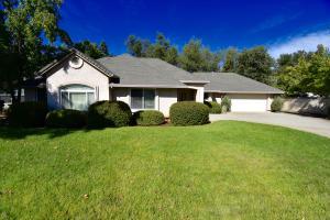 4235 Vista Oaks Ct, Redding, CA 96002