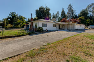 15194 Wonderland Blvd, Redding, CA 96003