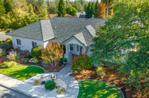 507 Fair Hill Dr, Redding, CA 96003