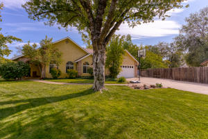2361 Calle Seca Ct, Redding, CA 96002